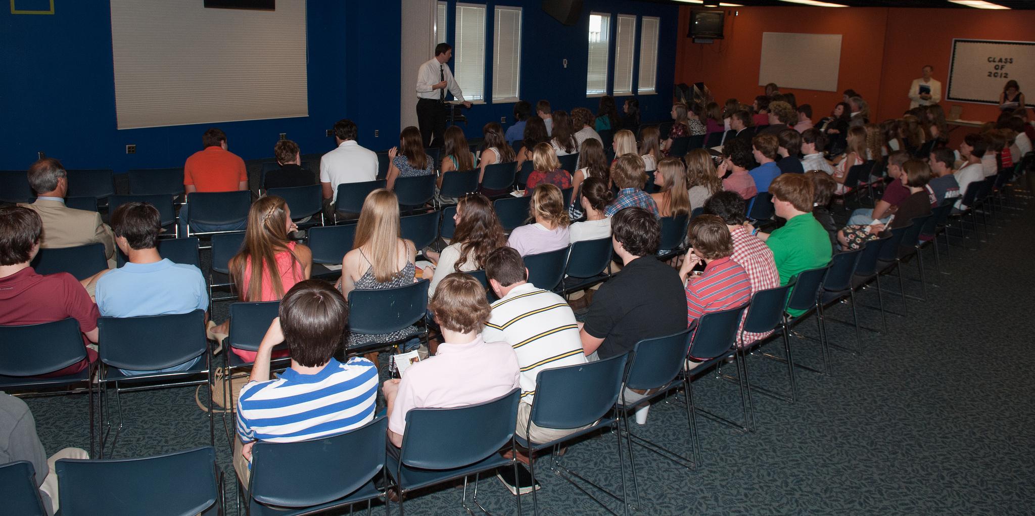 Wednesday Night Student Small Groups